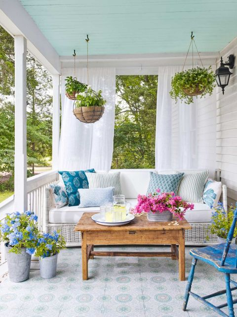 gallery-1461355293-porchs Country Living