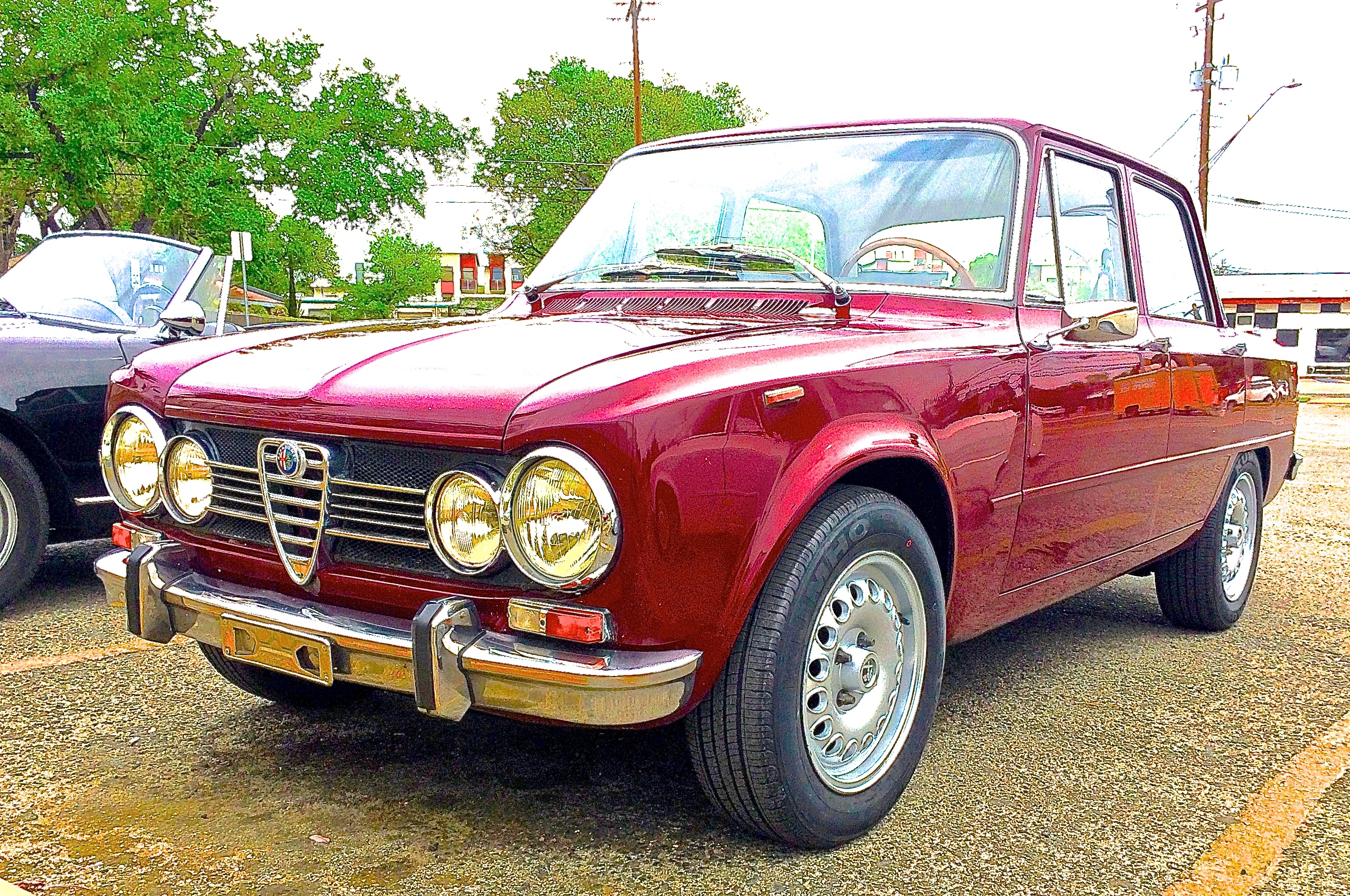 alfa romeo giulia super 1 3 on s lamar atx car pictures real pics from austin tx streets. Black Bedroom Furniture Sets. Home Design Ideas