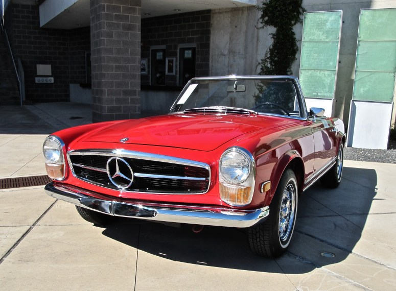 Mercedes 250 SL at Motostalgia at Long Center