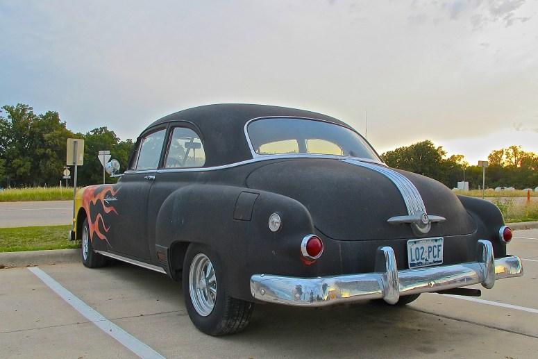 1952-pontiac-custom-rear-atxcarpics-com