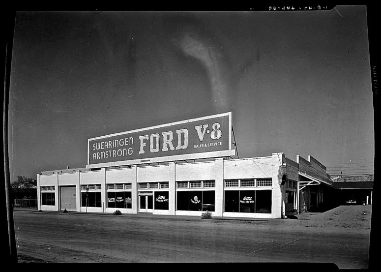 swearingen-armstrong-auto-sale-colorado-and-202-w-1st-street-1949-aaa