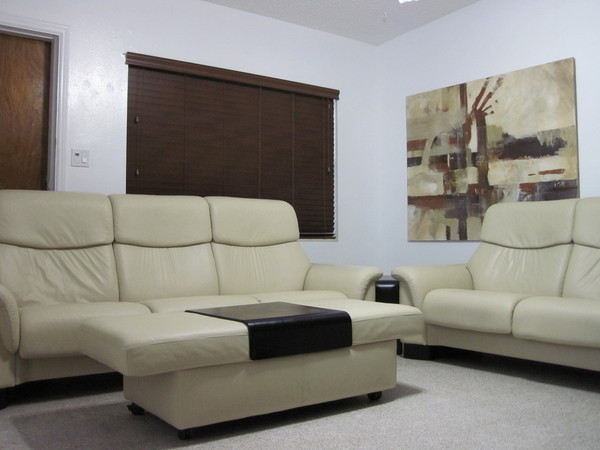 Stressless Sofa Used Buy This Used Ekornes Stressless Sofa Loveseat Ottoman