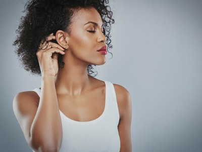 prevent hair frizz