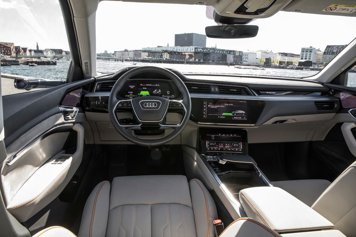 The Interior Of The Audi E Tron Prototype Audi Mediacenter - Interieur Golf 1 Cabriolet