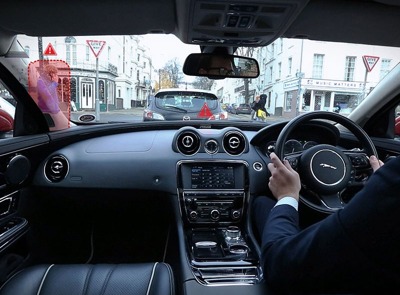Jaguar prezentuje wirtualny kokpit w samochodzie