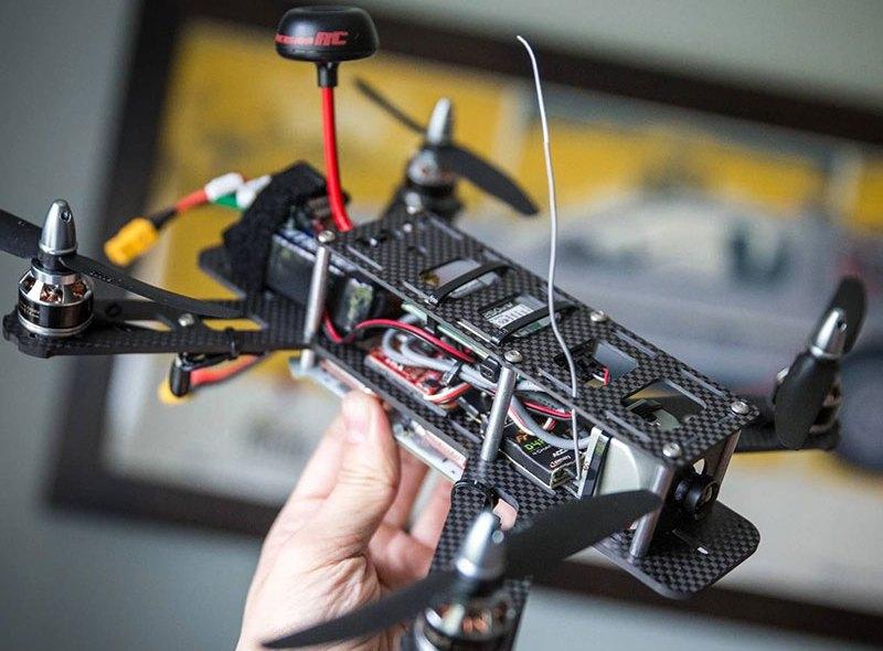 Jak zbudować wyścigowego drona FPV