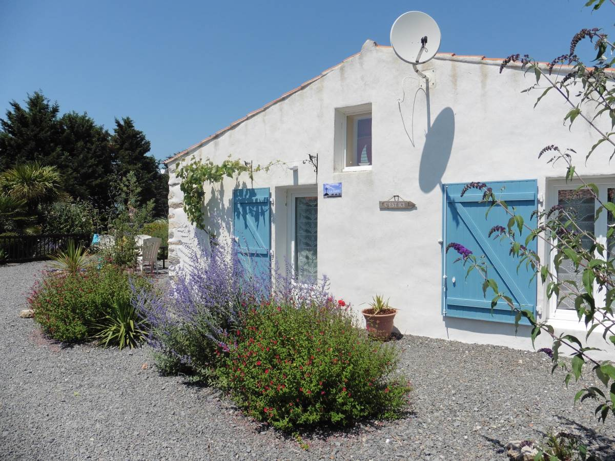Chambre D Hote Beauvoir Sur Mer Welcome To Au Passage Du Gois B B And Holiday Cottages In Beauvoir