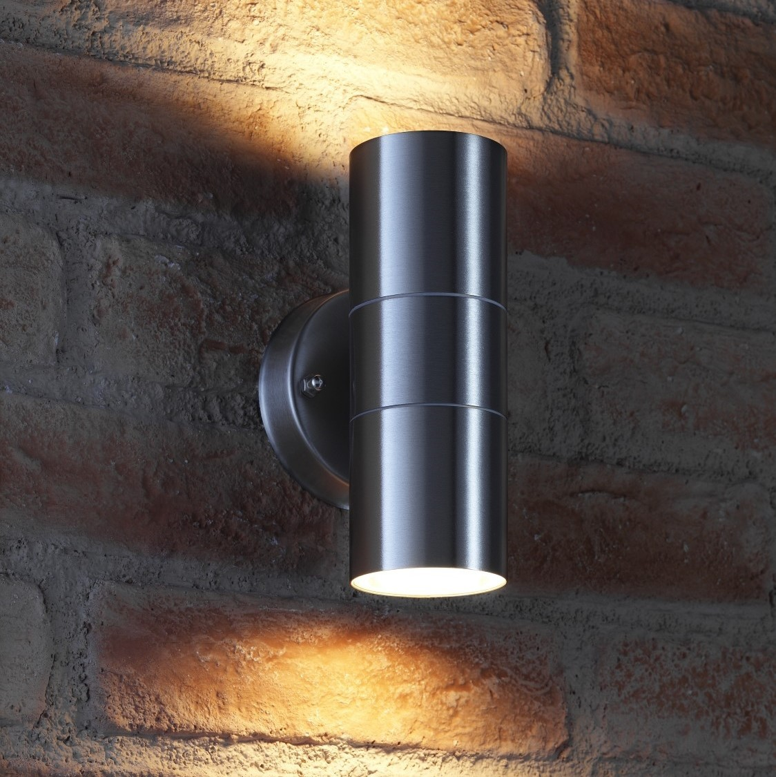 Luminaire Exterieur Up And Down Auraglow Up And Down Outdoor Wall Light Winchester