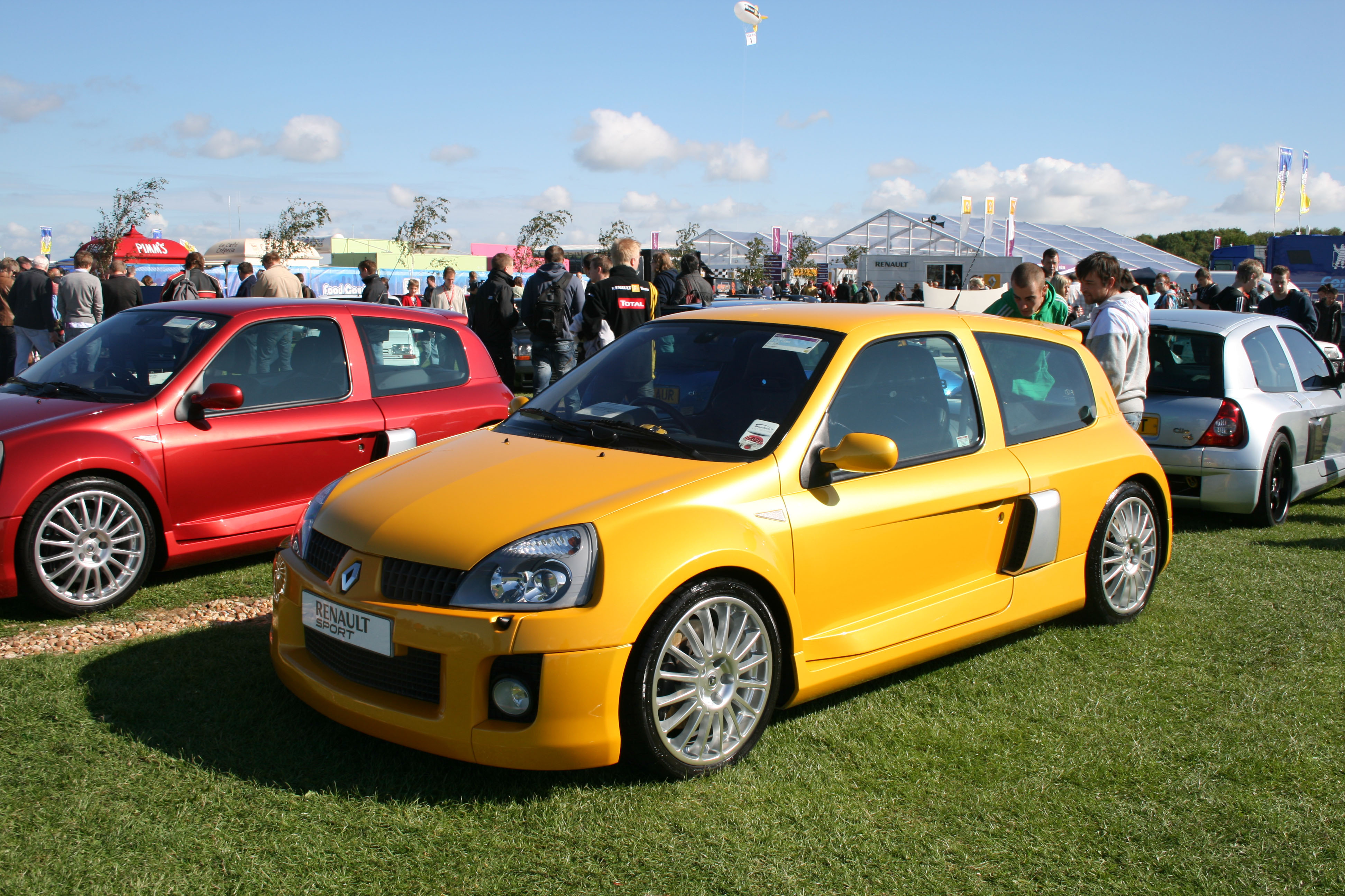 Clio V6 2000 Renault Clio Ii V6 Sport Coupe Pictures