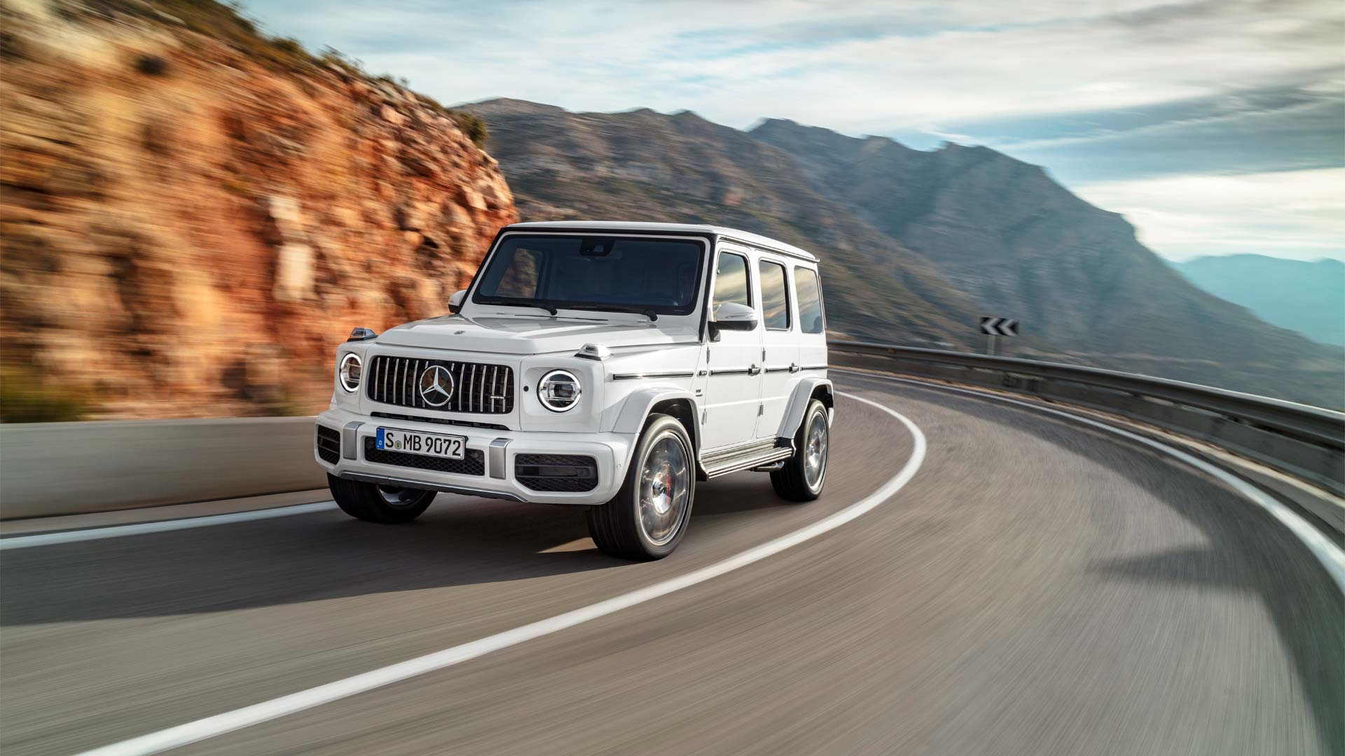 Mercedes Km New Mercedes Amg G 63 Does 100 Km H In 4 5 Seconds Autodevot