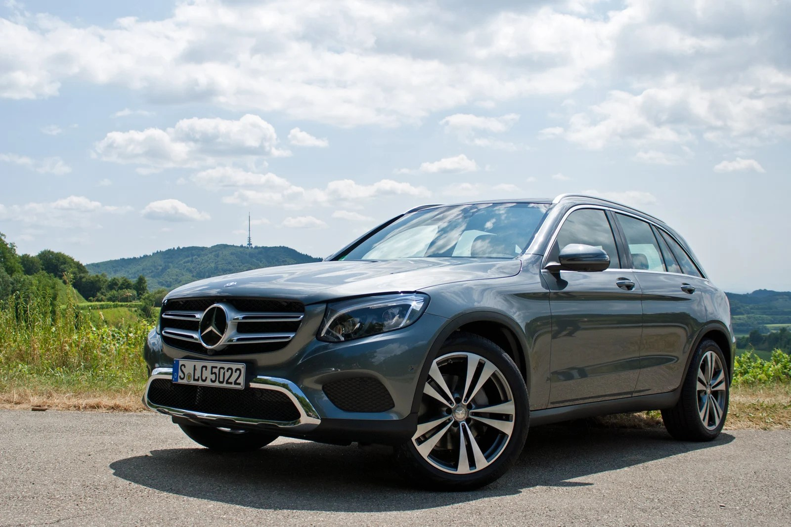 Mercedes Suv 2016 2016 Mercedes Glc Review Autoguide News