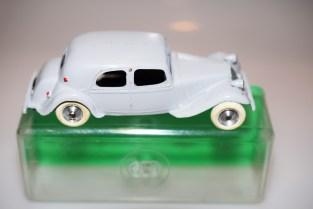 CIJ Citroën Traction. rare couleur et boîte