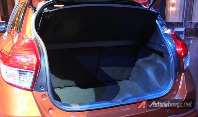Toyota Yaris 2014 bagasi belakang