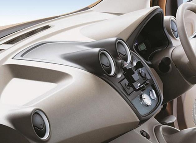 Datsun GO+ Panca Dashboard