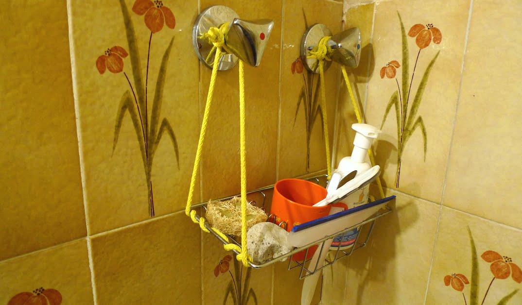 Portaoggetti da doccia di recupero  Il Laboratorio dell'Autoproduzione