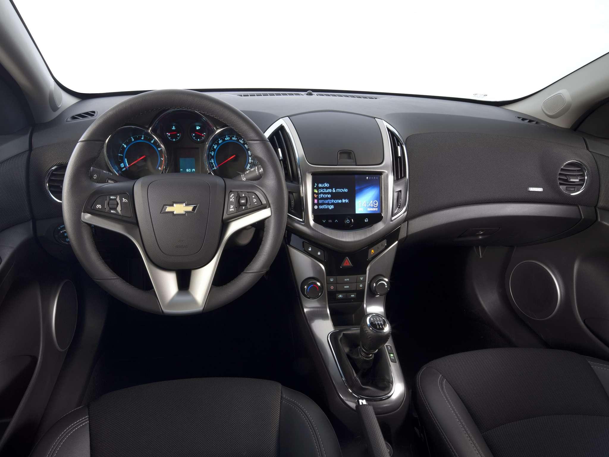 Primeira mão – Chevrolet Cruze 2013 chega às lojas em breve ...