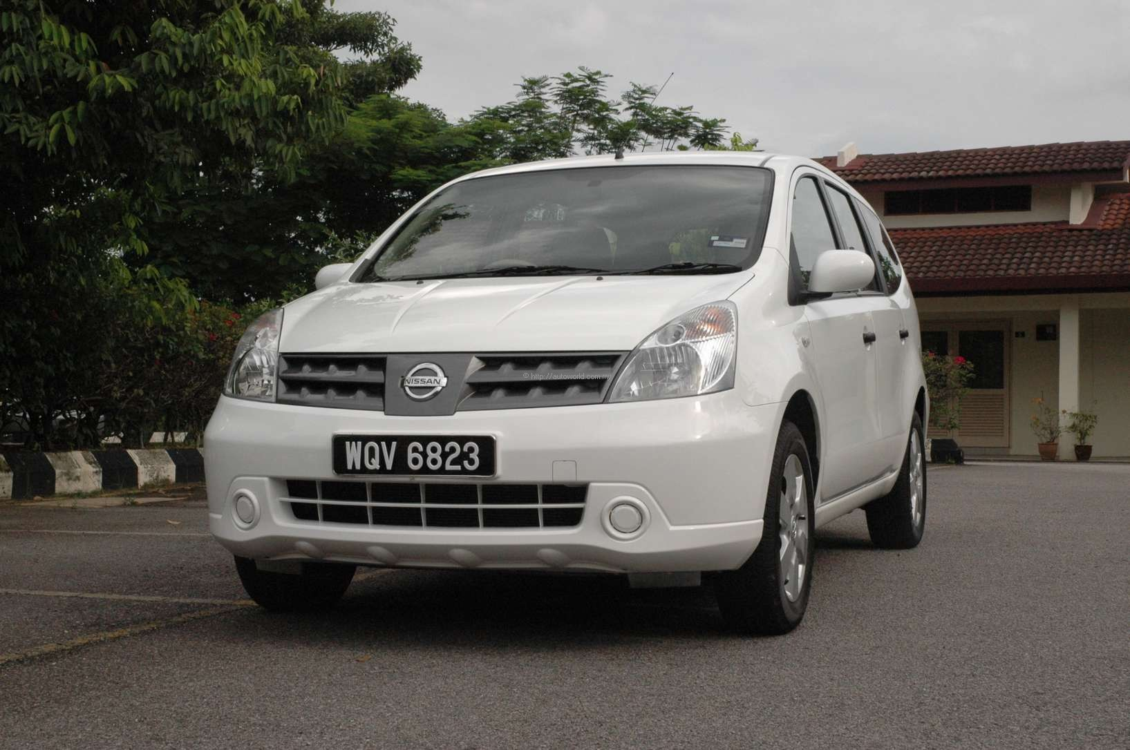 Nissan 7 Seater Cars Car Test Drives And Reviews Autoworld My