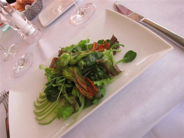 Zucchini flower, green apple, and prawn salad at Lineadombra