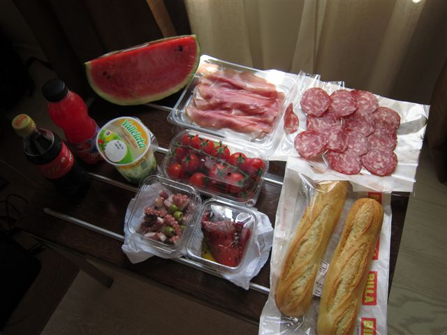 Yummy food from the Billa Supermarket in Venice