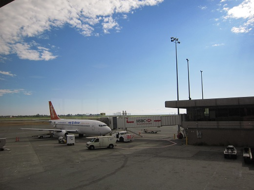 Air North 737-200