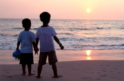 Kids on Hapuna Beach