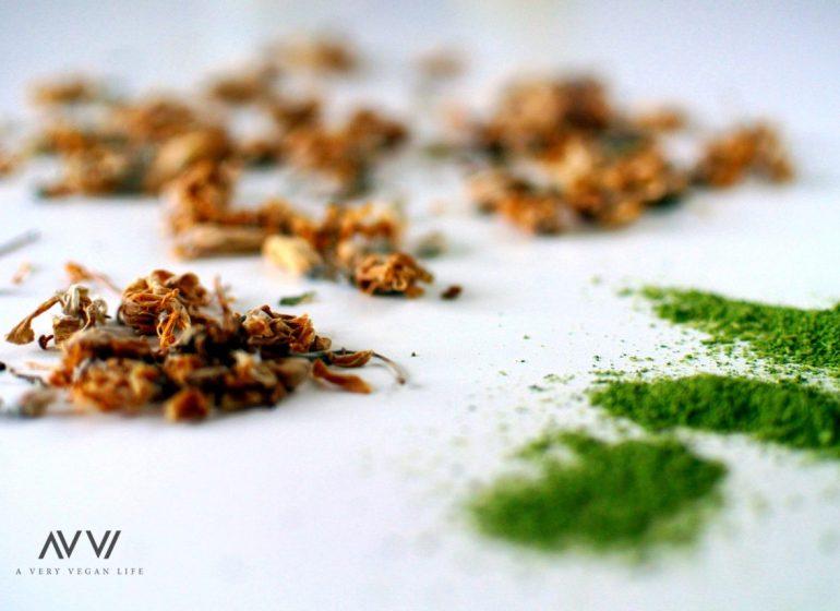 Moringa-Pulver-Blüten-Vegan