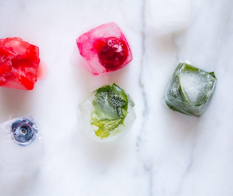 Infused Ice Cubes - Eiswürfel mit Früchten und Kräutern