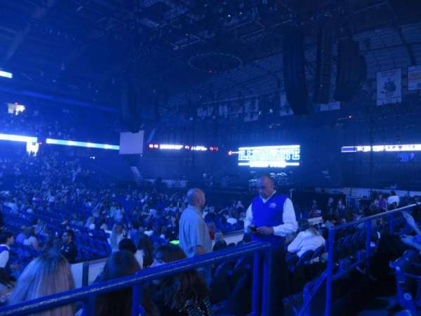 Concert photos at Allstate Arena