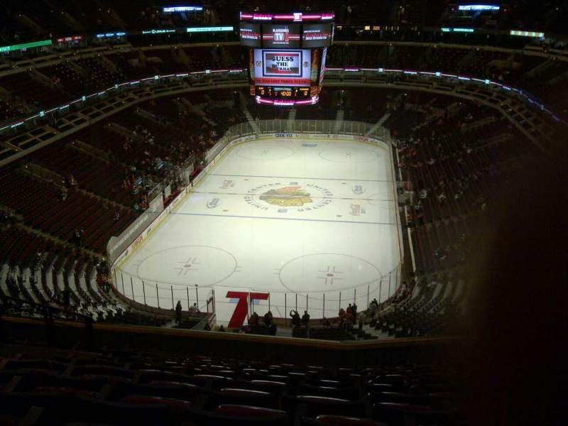 Chicago Bulls Wallpaper Iphone 6 United Center Section 325 Home Of Chicago Blackhawks