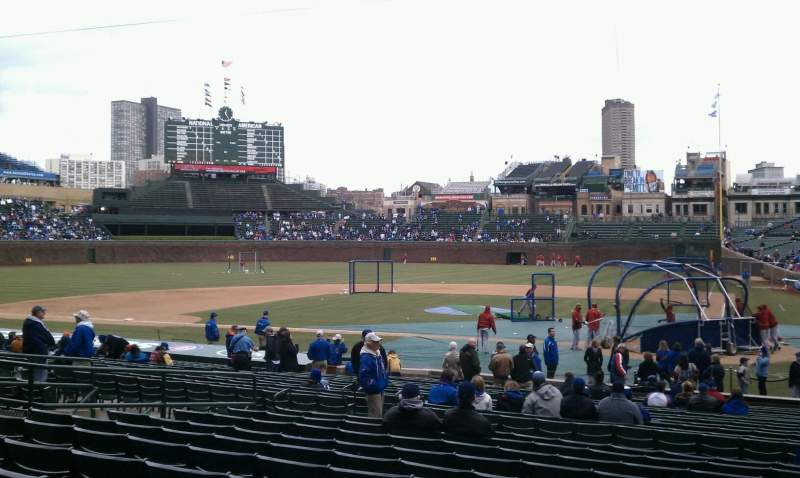 Chicago Cubs Wallpaper Iphone 6 Wrigley Field Section 117 Home Of Chicago Cubs