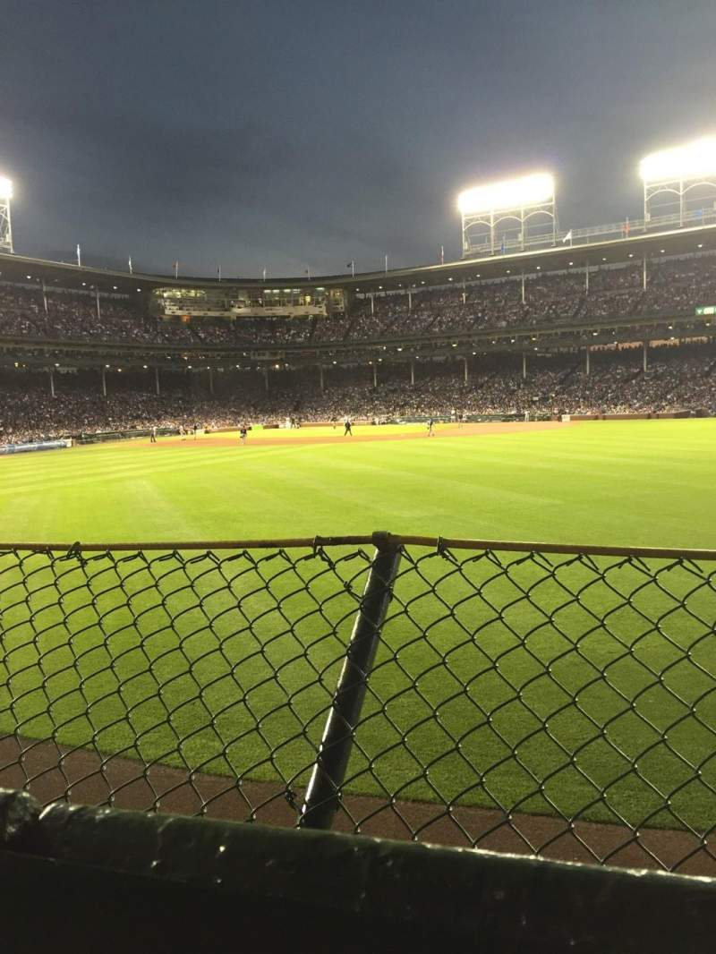 Chicago Cubs Wallpaper Iphone 6 Wrigley Field Section Bleachers Home Of Chicago Cubs