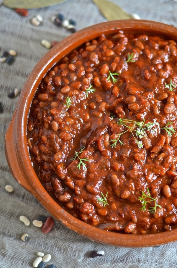 These thick, sweet & smoky slow cooked vegan barbecue baked beans need ...