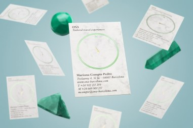 01-Ona-Travel-Experiences-Green-Foiled-Business-Card-Mucho-BPO