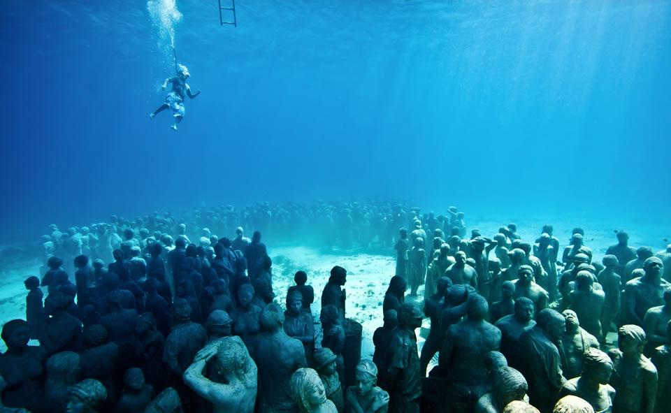 Nur die größte Unterwasserskulptur der Welt