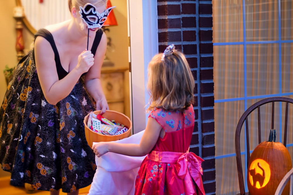 Fun And Unique Family Matching Costume Ideas For Halloween