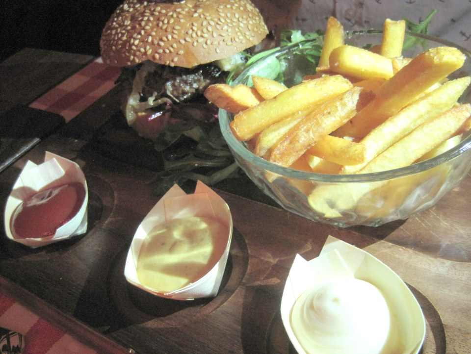 Here are our top tips for restaurants that are open late in Amsterdam. Bar Huf awesomeamsterdam.com