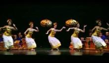 gamelan dancers