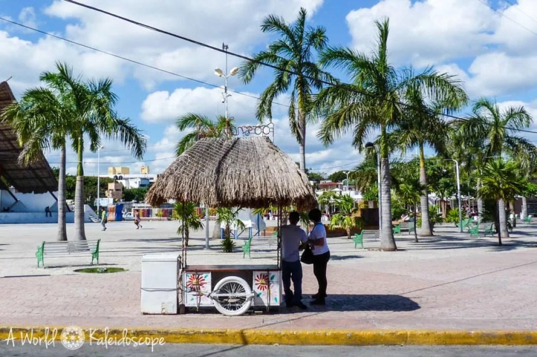 mexico-yucatan-cancun-zocalo