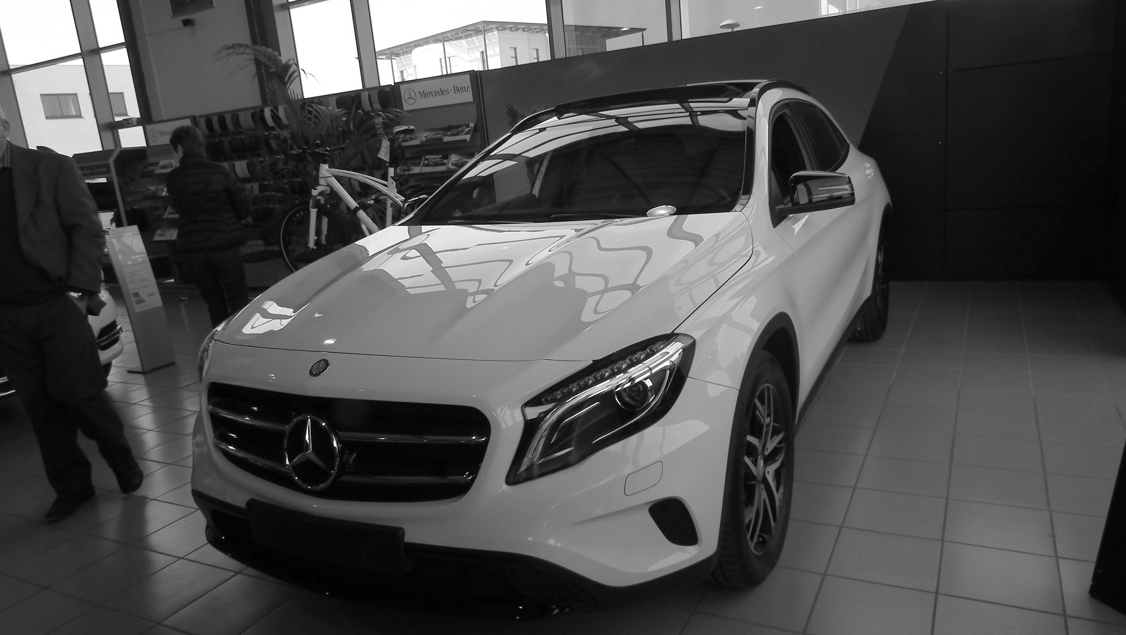 Voiture Neuf Blanche Pack Sport Black - Gla - Prepus - Photos - Club