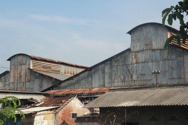 Bengkel trem listrik Sawahan. Foto: Firman (Surabaya Tempo Dulu)