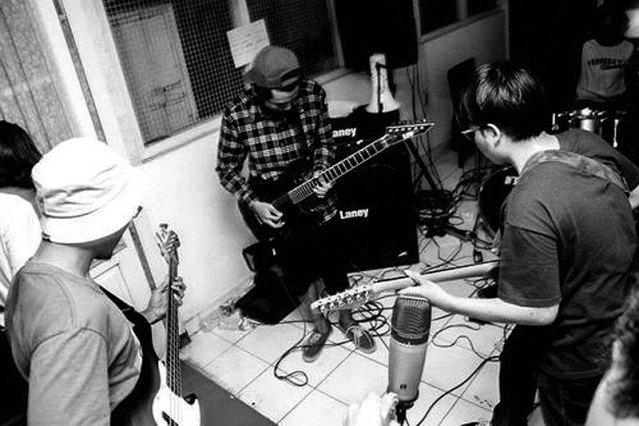 cotswolds band Surabaya