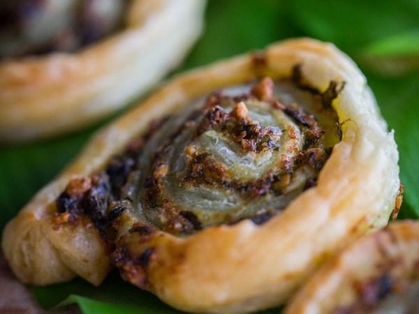 Medvehagymás csiga - Medvehagyma pestóból és leveles tésztából