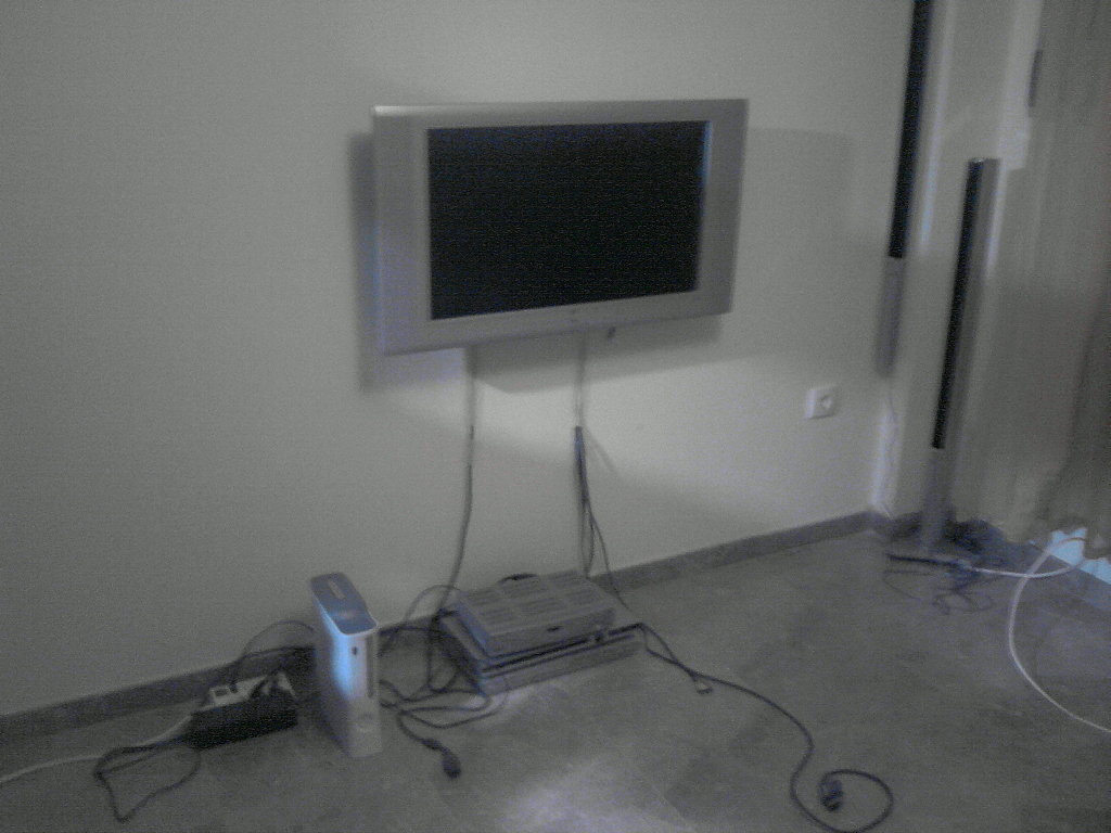 Como Colgar Tv En Pared Colgar Tv En Pared Cmo Montar Un Televisor Lcd En La
