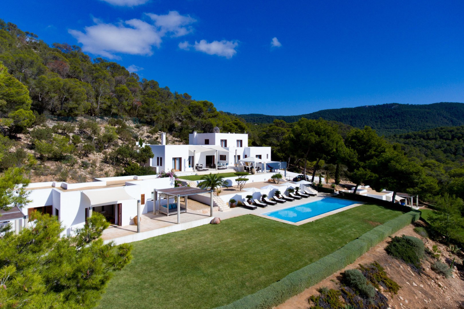 Holidays Villas Luxury Holiday Villas To Rent In Ibiza Azure Holidays