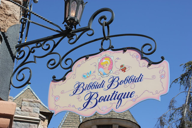 Everything You Need to Know About Disneyland's Bibbidi Bobbidi Boutique!