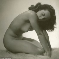 Update: FAKE! The Nude Portrait Elizabeth Taylor Posed for -- in her Prime