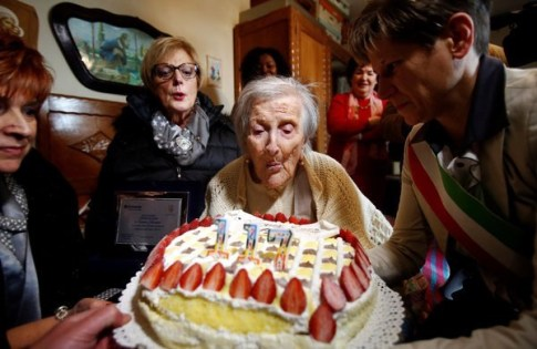 Oldest Woman Alive Celebrates Birthday In Rome Blowing Out Candles!