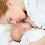 赤ちゃんが生まれた後?母乳はいつから出るの?