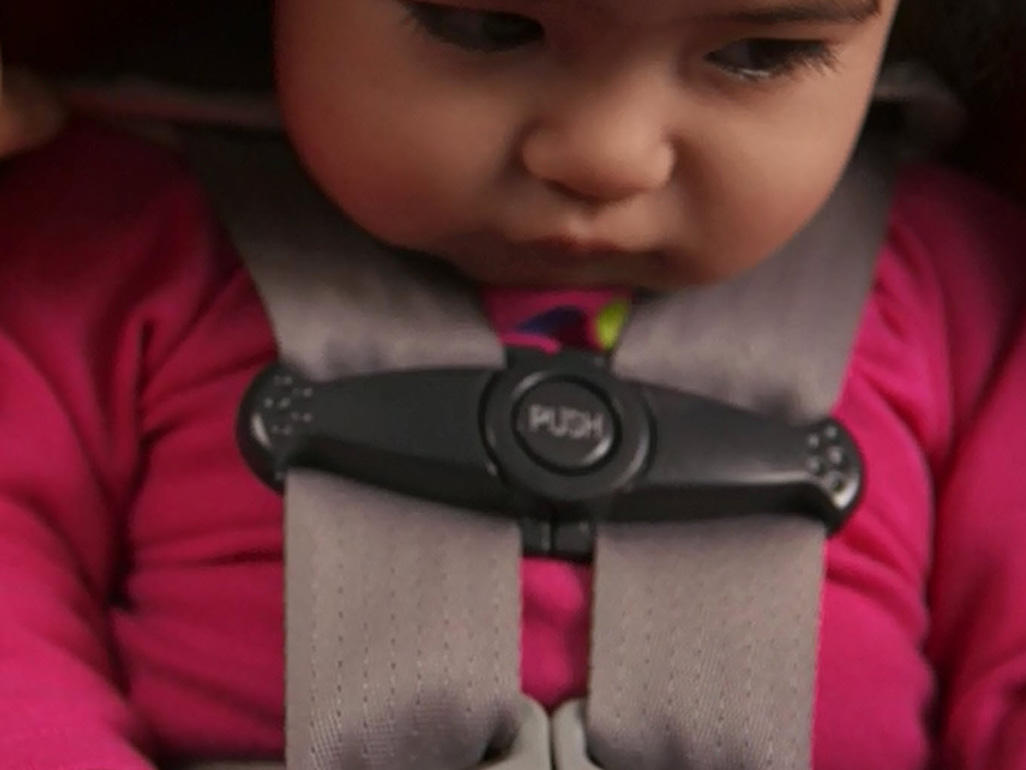 Newborn Car Seat Set Up Infant Car Seat How To Install It Rear Facing With Latch