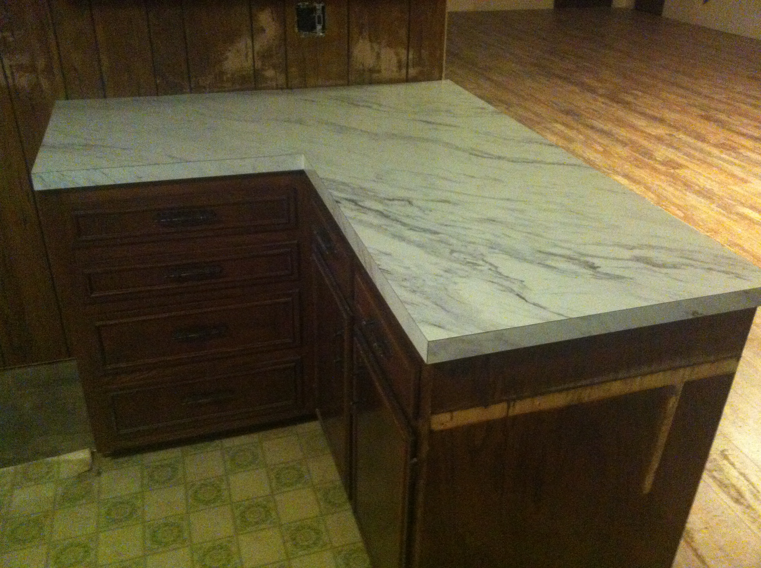 Calcutta Marble Laminate Countertop The New Countertops The Bachelorette Pad Flip